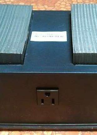 Конвертер 220-110в 2500Вт, преобразователь,адаптер с американс...