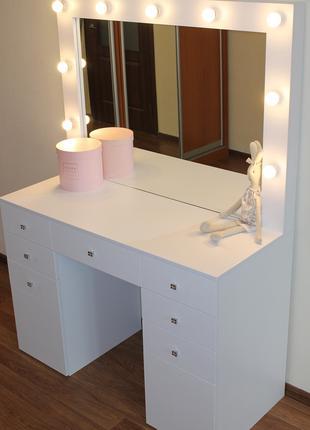 Столик визажиста, гримерный столик, стол для макияжа