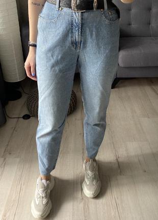 Винтажные высокие облегчённые джинсы мом