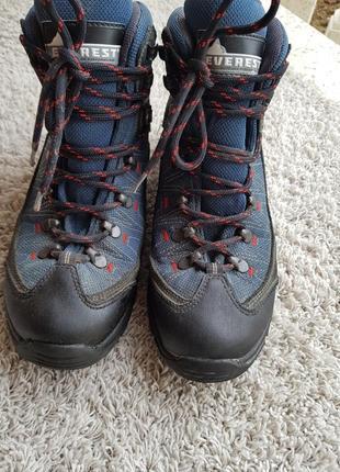 Трекинговые ботинки кросовки