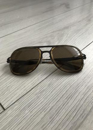 Очки, коричневые очки, солнцезащитные очки.
