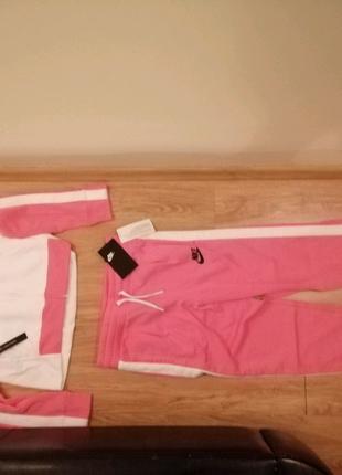 Новый детский спортивный костюм фирмы NIKE (оригинал)