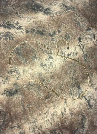 Металическая вешалка для одежды