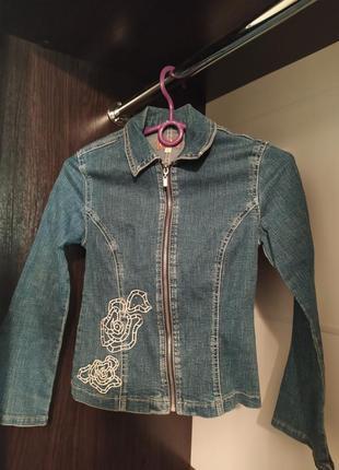 Джинсовая куртка курточка джинсовка на девочку 143 см gloria j...