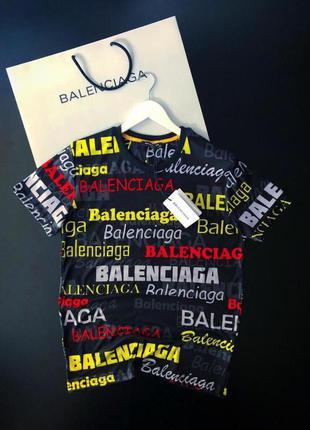 Стильная мужская футболка balenciaga