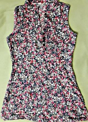 Летняя блузка с цветочным принтом