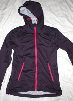 Женская  куртка с мембраной защитой