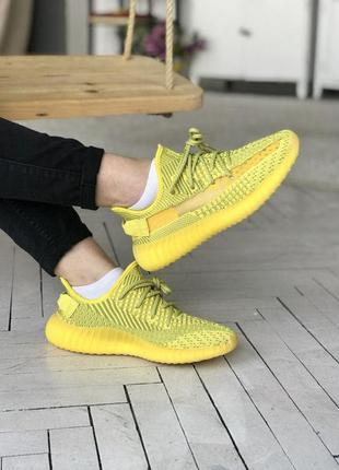 Спортивные кроссовки adidas yeezy 350 желтый цвет (36-40)