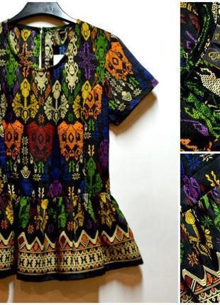 Стильная блуза в узор