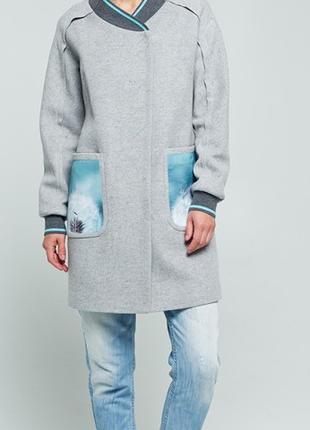 Пальто демисезонное размер 36