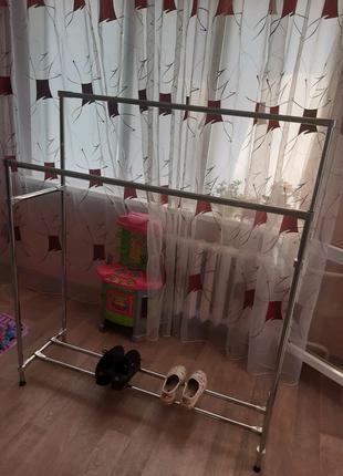 Вешалка для одежды напольная металлическая с подставкой для обуви