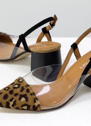 Дизайнерские летние леопардовые туфли на среднем каблуке