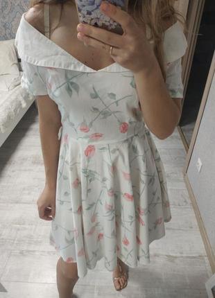 Безумно красивое платье миди с красивым вырезом хлопок
