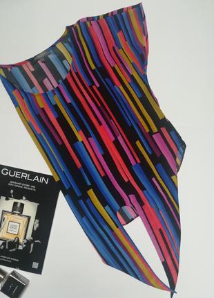 Стильна яскрава блуза limited