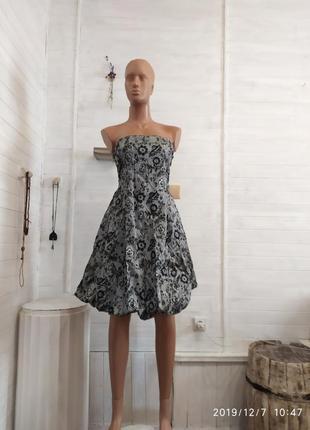 Красивое праздничное платье m\l