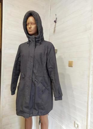 Классная теплая деми  куртка