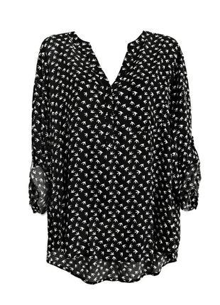 Удлиненная черно-белая блуза в ласточках р.18
