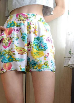 Легкие летние шорты красивой расцветки ellen