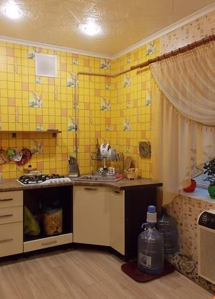 Уютный2х-этажный домик, центр,комнаты раздельны,техника, кондиц.,
