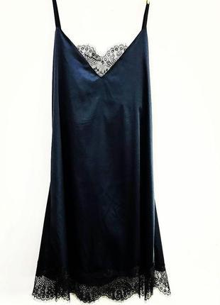 Шолковое платье в бельевом стиле