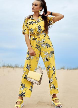 Комбинезон из льна желтый с цветами