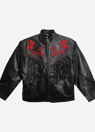Винтажная байкерская кожаная куртка черного цвета с красной за...