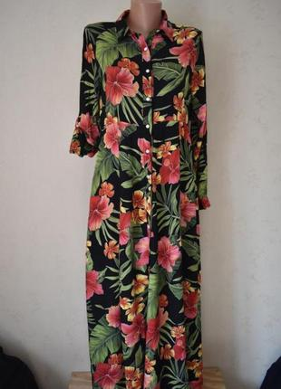 Красивое платье-рубашка с принтом