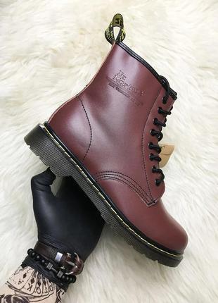 Ботинки dr. martens. высокие кожаные ботинки dr. martens. деми...