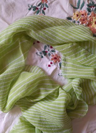 Шелковый шарфик нежно-зеленого цвета
