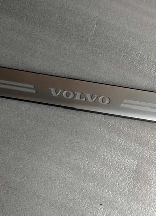Volvo XC60 -2017. Накладка (молдинг) порога передняя.