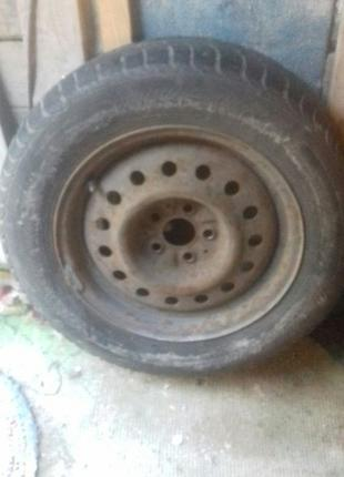 Колесо,запаска на Toyota Camry 1990года