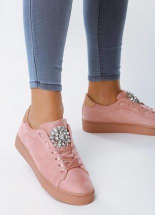 Новые розовые женские кроссовки