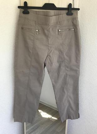Стрейчевые укороченные брюки  c&a