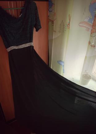 Вечернее платье. Цвет бутылка.
