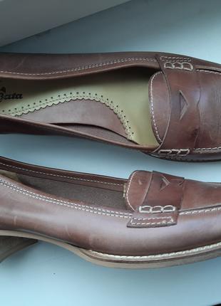 Туфли фирменные кожа новые 38-39 размер