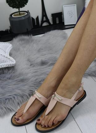 Новые женские пудровые босоножки сандали