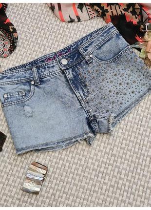 Короткие джинсовые шорты с шипами denim co/стразы