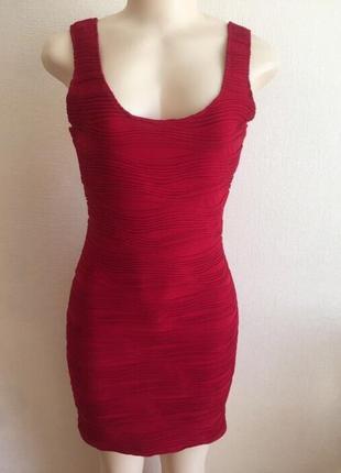 Шикарное женское летнее короткое красное платье размер s