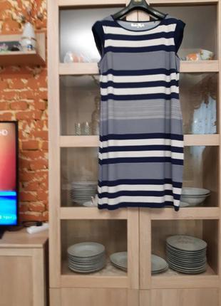 Стильное вискозное платье большого размера