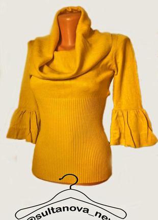 Красивый свитер с воротником хомут