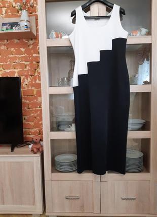 Шикарное стройнящее платье большого размера