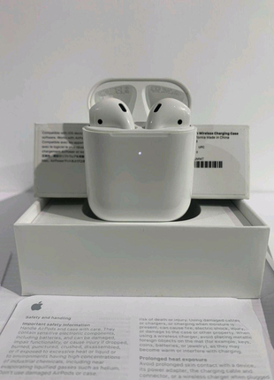 AirPods Series 2 (with Wireless Charging Case) (MRXJ2)