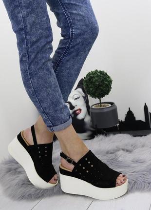Новые женские черные босоножки на платформе