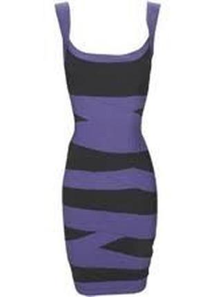 Еластичное оригинальное платье утяжка