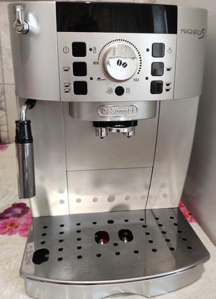 Кофеварка кофемашина delonghi ecam 22.110