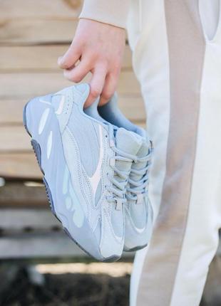 Adidas yeezy 700 кроссовки в синем цвете с рефлективом (36-40)