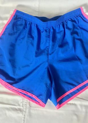 Крутые новые женские шорты для бега от nike dri-fit (оригинал)