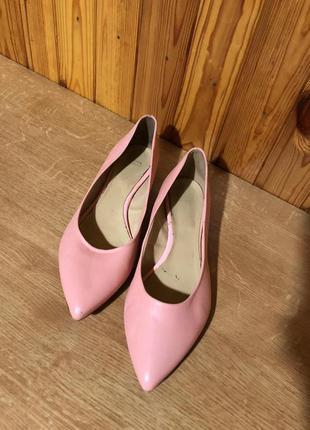 Кожаные туфли лодочки bata!