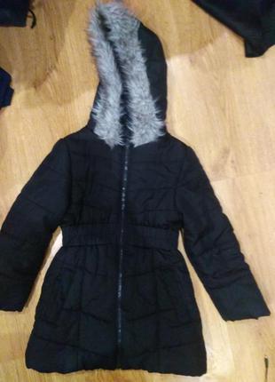 Шикарная удлиненная деми   куртка 128 размер германия