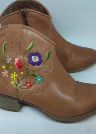 Кожаные ботинки 38 размер